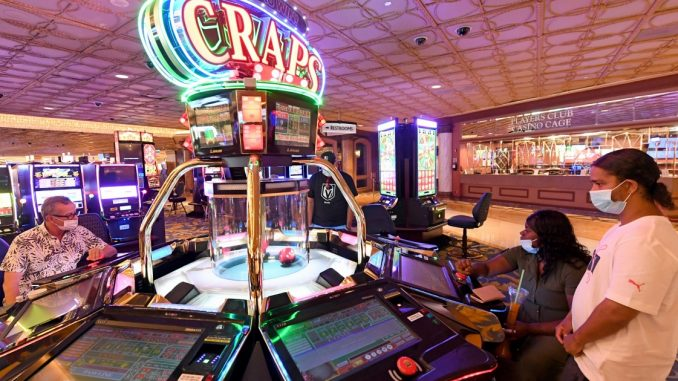 Methods To Show Your Audience About Online Gambling